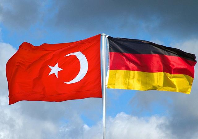 Almanlardan Erdoğan için sözler! Ege'de savaş riski yüksek