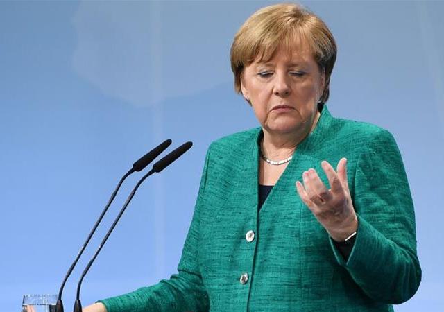 Almanya'dan Suriye saldırısına destek