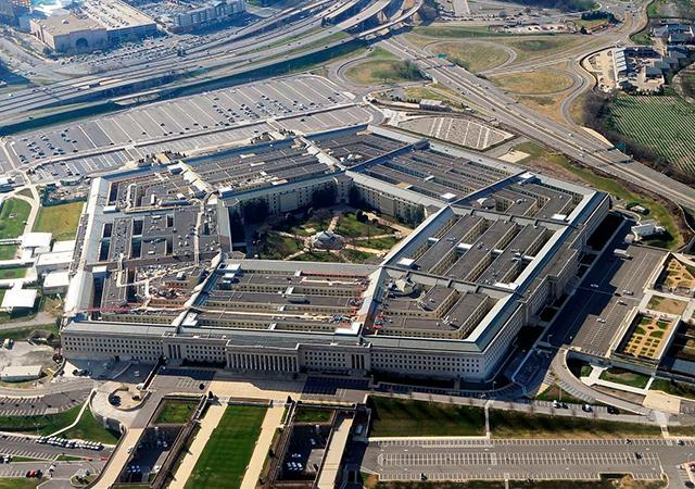 Pentagon'un vurduğu hedefler uydudan görüntülendi