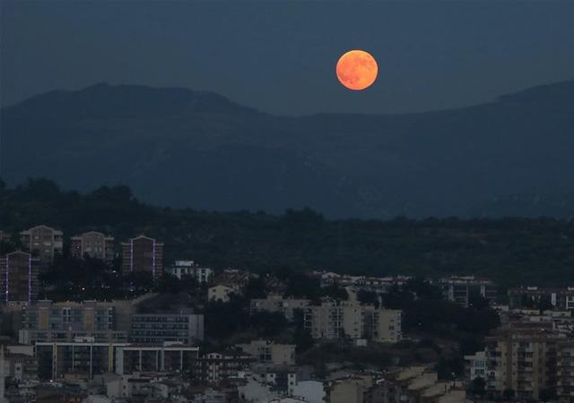 Türkiye'den 21. yüzyılın en uzun 'Kanlı Ay'ı