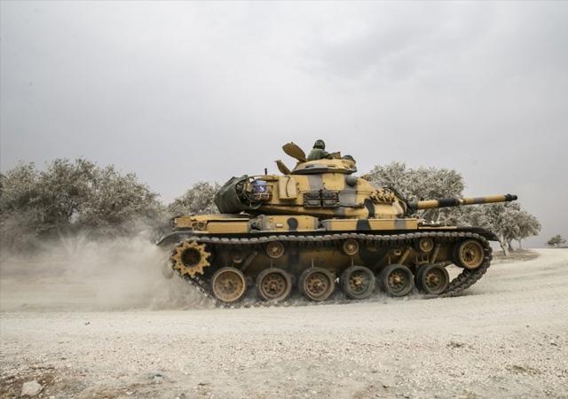 Askeri araçlar Reyhanlı'ya ulaştı