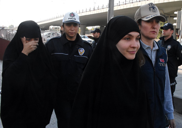 Rusya'nın Ankara Büyükelçiliği, 2 vatandaşının gözaltına alındığını doğruladı