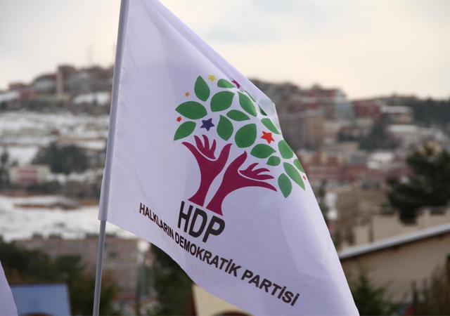Polisten HDP'li vekile tarihi ayar!
