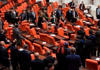 HDP TBMM'de teröristleri korudu