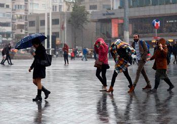 İstanbul'da beklenen yağış başladı: Tedbirli olun