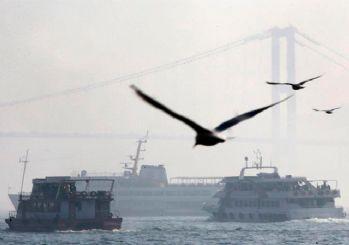 İstanbul güne yine sisle uyandı, deniz ulaşımı yapılamıyor
