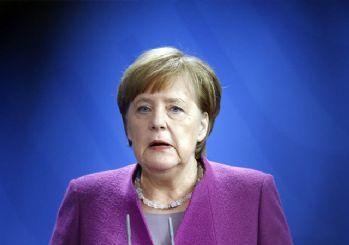 Merkel'den Alman bakana yanıt: Müslümanlar da İslam da Almanya'ya ait