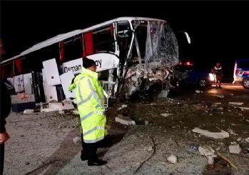 Çorum'da otobüs yoldan çıktı: 2 ölü, 33 yaralı