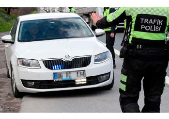 İstanbul Valiliği'nden 'çakar' uyarısı
