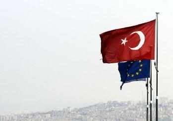 AB'den Türkiye açıklaması: Türkiye ters yönde 'büyük adımlar' atıyor
