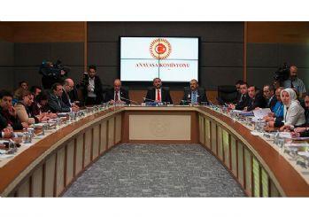 ''Uyum paketi' Anayasa Komisyonu'nda kabul edildi