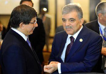 Davutoğlu, Abdullah Gül'ü ikna etmeye çalışıyor
