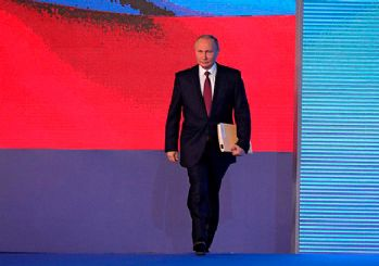 Putin yeni dönemi için yemin etti