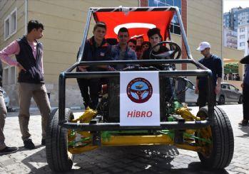 Lise öğrencilerinden hibrit otomobil