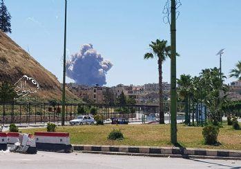 Askeri üssü İsrail mi vurdu? Suriye'de peş peşe patlamalar!