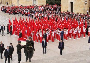 19 Mayıs törenleri Anıtkabir'den start verdi