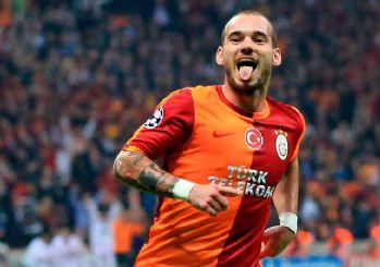 Sneijder, Galatasaray'a mesaj gönderdi: Boş sözleşmeyi bile imzalarım