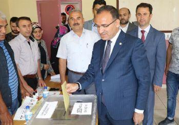 Başbakan Yardımcısı Bozdağ: Seçim sonuçları Kılıçdaroğlu'nun kimyasını bozdu