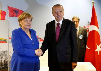 Merkel'den Erdoğan'a: Congratulations (Tebrikler)