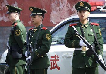 ABD'nin Pekin Büyükelçiliği önünde patlama!