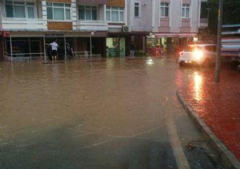 Gebze'de 10 kişi sel nedeniyle mahsur kaldı