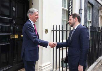 Bakan Albayrak İngiliz mevkidaşı ile görüştü