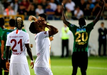 Akhisar Galatasaray'a 3 attı! Deplasman fobisi devam ediyor