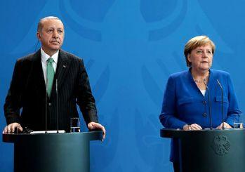 Erdoğan: Can Dündar bir ajandır devletin sırlarını ifşa etmiştir