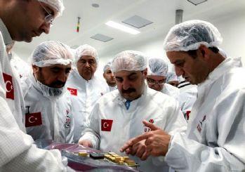 Bakan'dan 'bitirin talimatı! Varank TÜBİTAK Uzay'ı inceledi