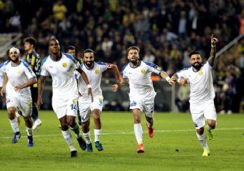 Fenerbahçe Kadıköy'de yine dağıldı! 3-1