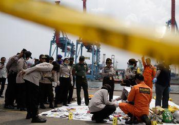 24 kişinin cesedi bulundu! Endonezya'da uçak kazası...