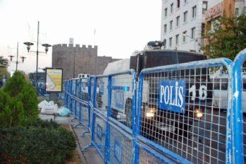 Sur'da sokağa çıkma yasağı devam ediyor