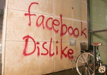 Facebook'a ırkçı saldırı!