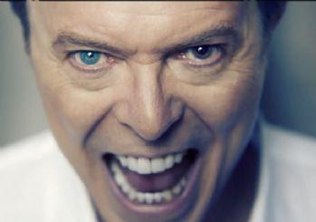 Dünyaca ünlü şarkıcı David Bowie hayatını kaybetti