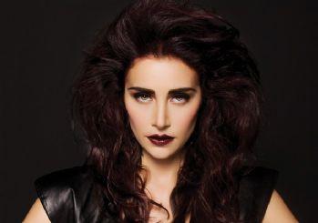 Ünlü şarkıcı Sıla kendini dövdürdü!