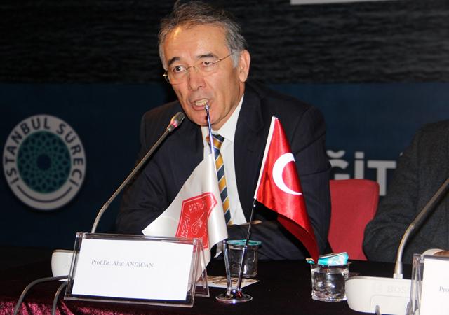Ahat Andican İYİ Parti Grup Başkanlığı görevini bıraktı