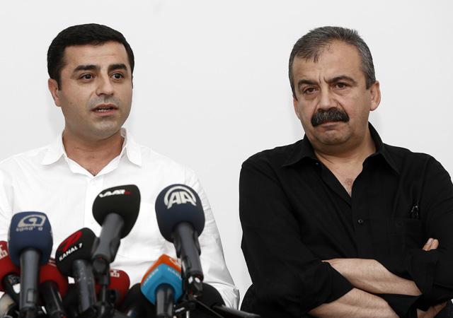 Demirtaş ve Sırrı Süreyya Önder'in hapis cezaları onandı