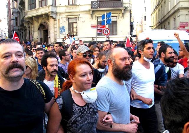 Gezi parkı operasyonu: Memet Ali Alabora'ya yakalama kararı