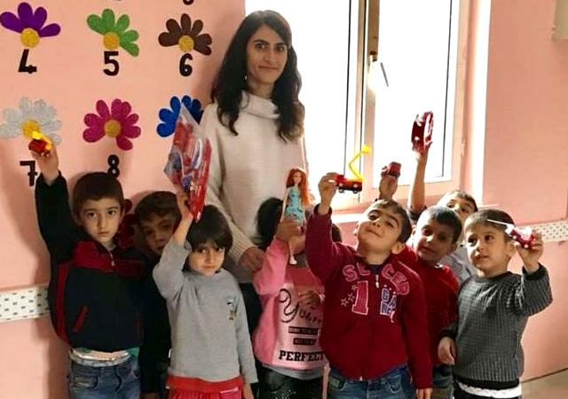 Pınar Soykan Diyarbakırlı minikleri sevindirdi