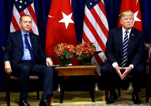 Erdoğan Trump'la görüştü: Koordineli şekilde çekiliyoruz!