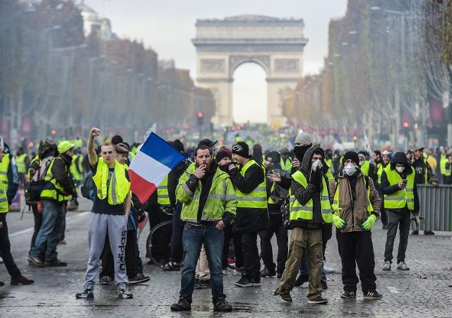 Fransadaki gösteriler nedeniyle 43 bin kişi işsiz kaldı 97
