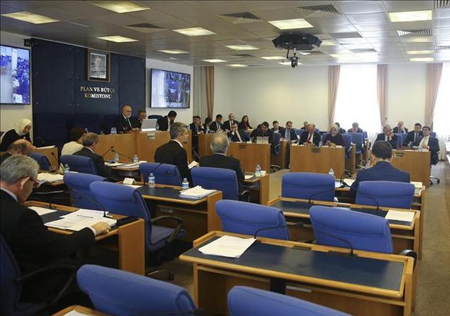 Asgari ücret destek teklifi komisyondan geçti