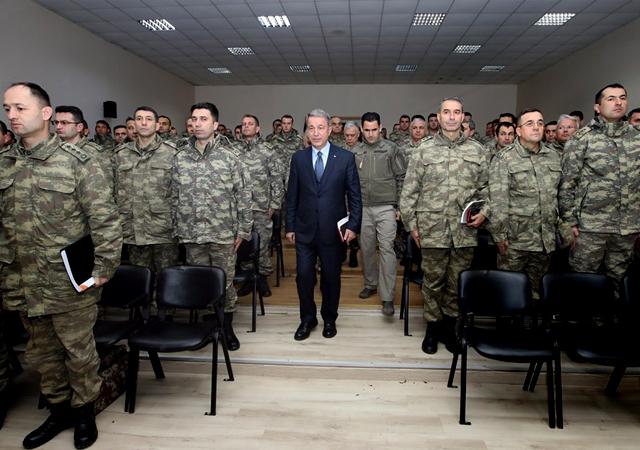 Bakan Akar'dan Münbiç ve Fırat mesajı: Gereken planlamalar yapıldı