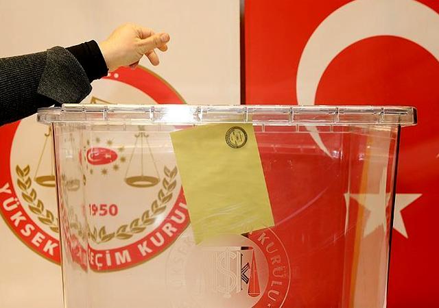 YSK'den seçmenlere uyarı: Beyan ettiği yerde oturmayanın kaydı silinecek