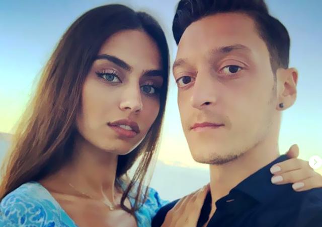 Mesut Özil Amine Gülşe ile nişanlandı: Allah'ın izniyle sonsuza dek!