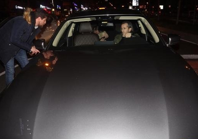 Aşk bombası patladı! Sıla ve Hazer Amani gece yarısı arabada yakalandı