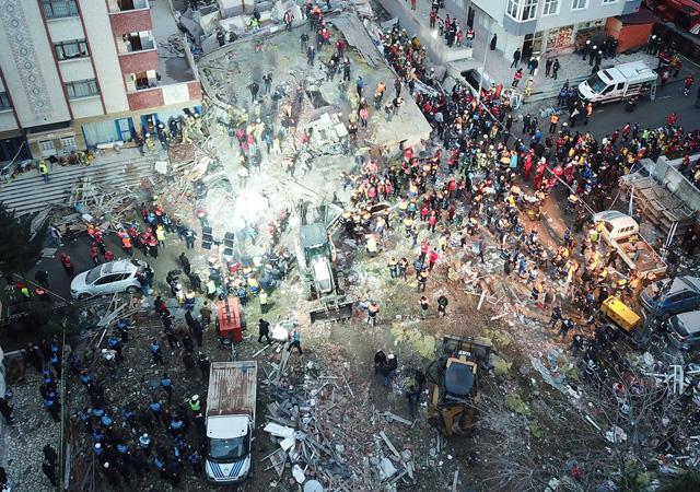 Skandal ortaya çıktı! Kartal'da çöken bina betonlarının çoğu midye kabuklu