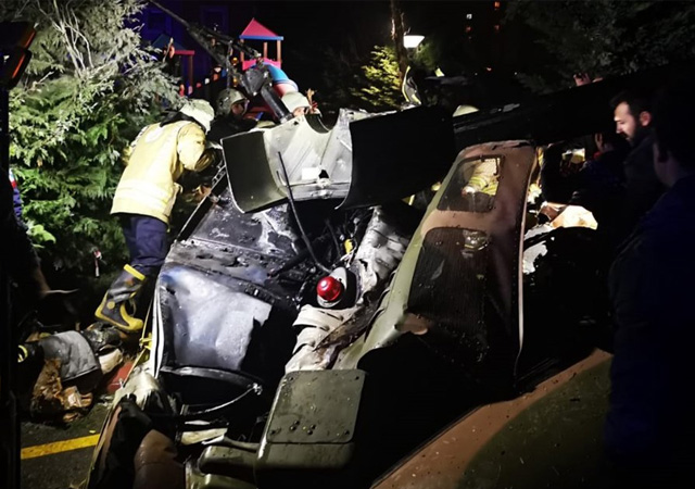İstanbul'da helikopter düştü: 4 asker şehit oldu