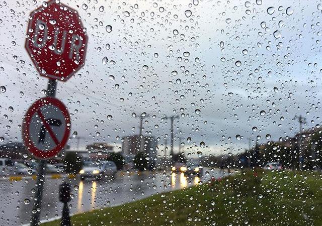 Meteorolojiden sağanak ve fırtına uyarısı yapıldı