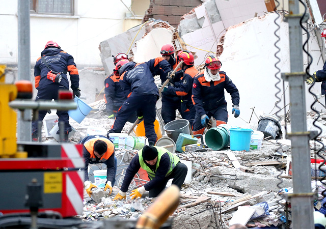 Kartal'da çöken binayla ilgili flaş gelişme: 4 gözaltı!